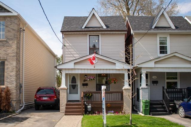 194 Barker Ave, Toronto, ON M4C 2P5 (#E4128536) :: Beg Brothers Real Estate