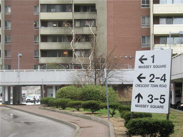 1 Massey Sq #2002, Toronto, ON M4C 5L4 (#E4130299) :: Beg Brothers Real Estate