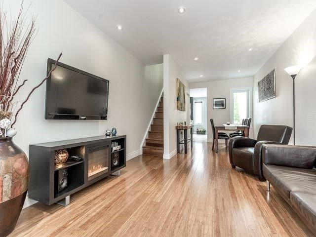 481 Main St, Toronto, ON M4C 4Y3 (#E4133169) :: Beg Brothers Real Estate
