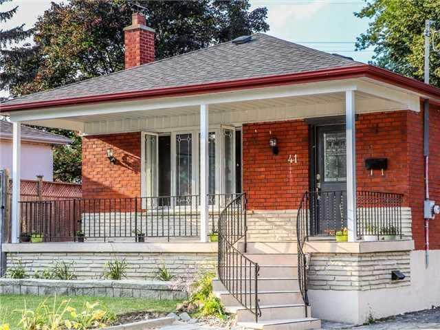 41 Benlight Cres, Toronto, ON M1H 1P4 (#E4134316) :: Beg Brothers Real Estate