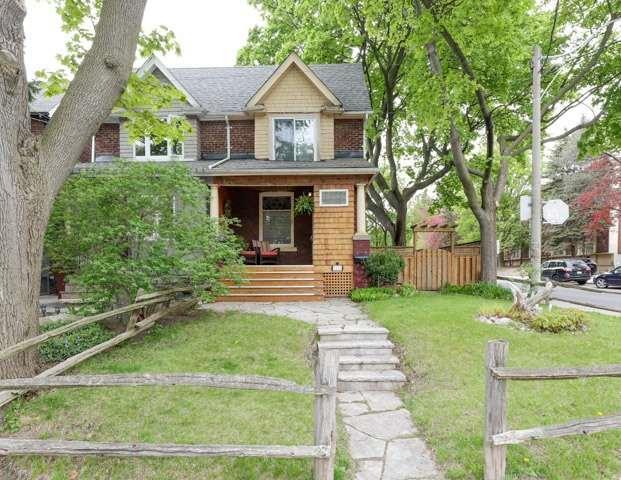 238 Wineva Ave, Toronto, ON M4E 2T4 (#E4135678) :: RE/MAX Prime Properties
