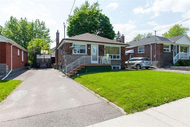 12 Lewiston Rd, Toronto, ON M1P 1X7 (#E4140139) :: Beg Brothers Real Estate
