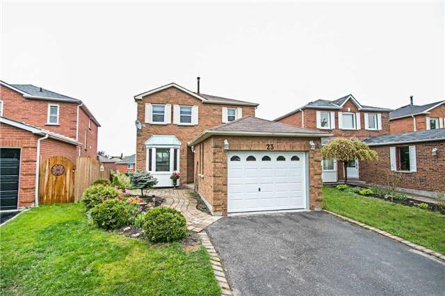 23 Fernbank Pl, Whitby, ON L1R 1S9 (#E4140453) :: Beg Brothers Real Estate