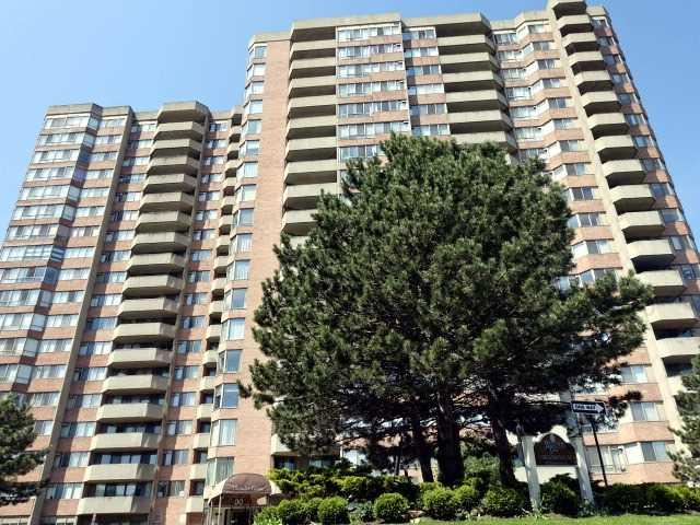 30 Thunder Grve #105, Toronto, ON M1V 4A3 (#E4140863) :: Beg Brothers Real Estate