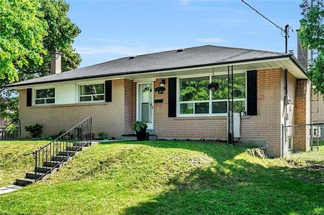 45 Stonehenge Cres, Toronto, ON M1G 2P5 (#E4172595) :: Beg Brothers Real Estate