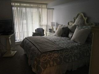 1 W Clark Ave #411, Vaughan, ON L4J 7Y6 (#N4047561) :: Beg Brothers Real Estate