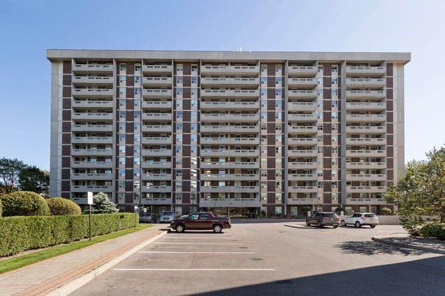 50 Inverlochy Blvd #1211, Markham, ON L3T 4T6 (#N4047575) :: Beg Brothers Real Estate