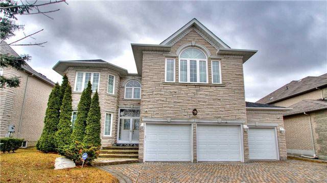 58 Graydon Cres, Richmond Hill, ON L4B 3V9 (#N4102749) :: Beg Brothers Real Estate