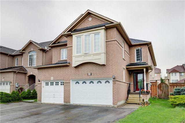 15 Peninsula Cres, Richmond Hill, ON L4S 1T9 (#N4123739) :: Beg Brothers Real Estate