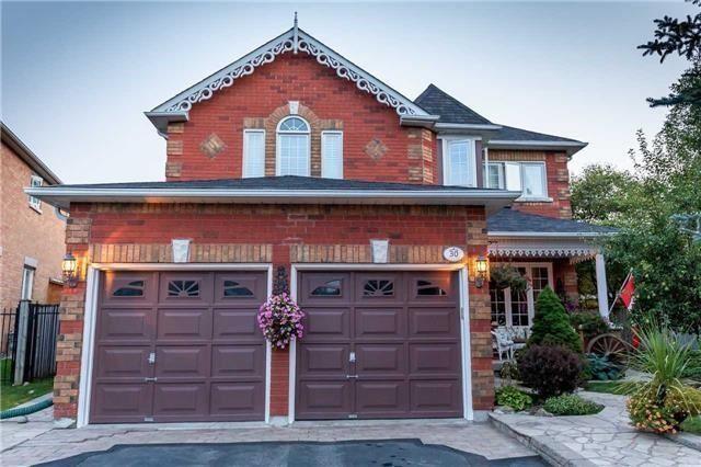30 Hadley Crt, Aurora, ON L4G 7E5 (#N4123904) :: Beg Brothers Real Estate