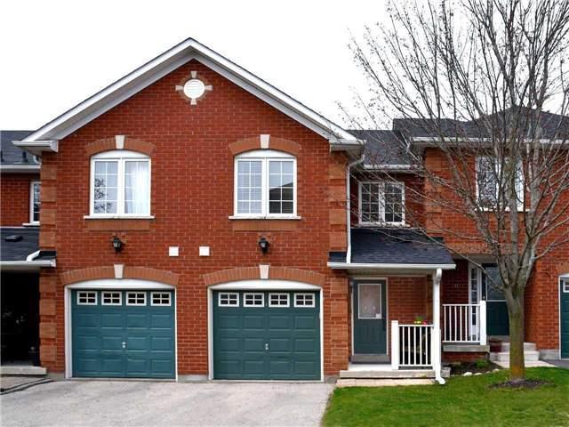99 Sandlewood Crt, Aurora, ON L4G 7M9 (#N4126511) :: Beg Brothers Real Estate