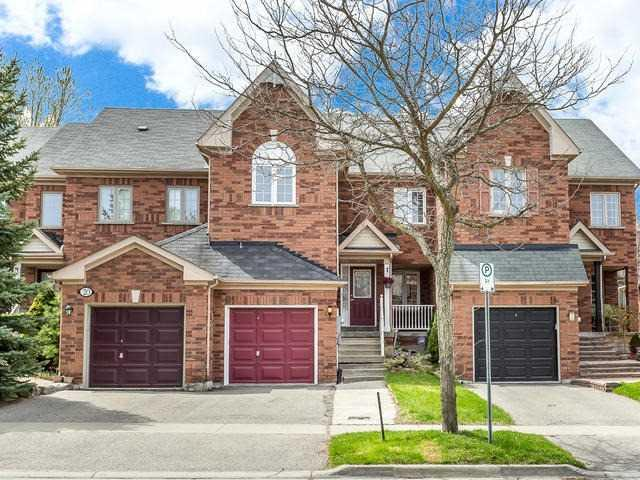 18 October Lane, Aurora, ON L4G 6Y1 (#N4127037) :: Beg Brothers Real Estate