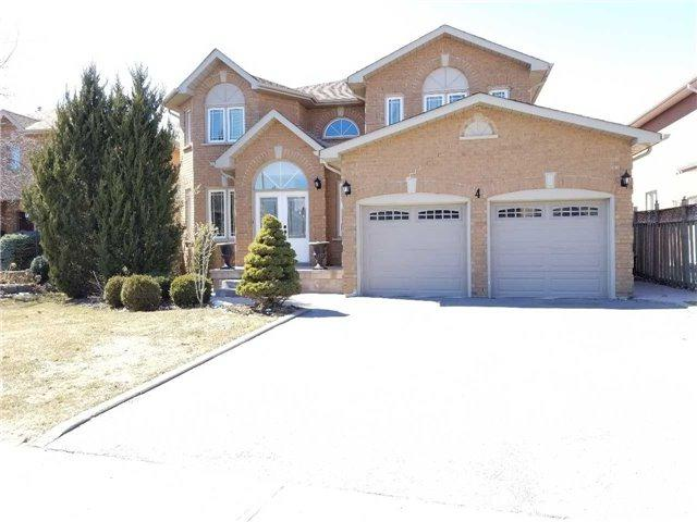 4 Creekview Ave, Richmond Hill, ON L4C 9X1 (#N4130114) :: Beg Brothers Real Estate