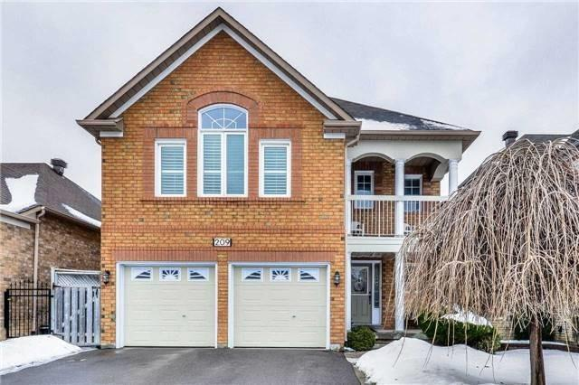 209 Matthew Dr, Vaughan, ON L4L 9B1 (#N4130950) :: Beg Brothers Real Estate