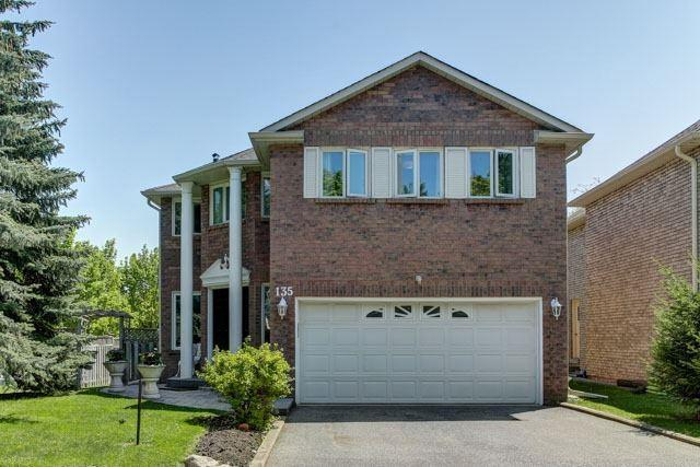 135 Old Surrey Lane, Richmond Hill, ON L4C 6R9 (#N4132260) :: Beg Brothers Real Estate