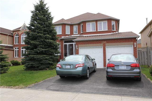 299 Highglen Ave, Markham, ON L3S 3M1 (#N4132443) :: Beg Brothers Real Estate