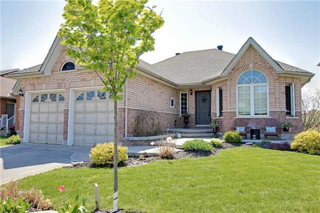 26 Highcastle Ave, Georgina, ON L4P 4B4 (#N4133121) :: Beg Brothers Real Estate