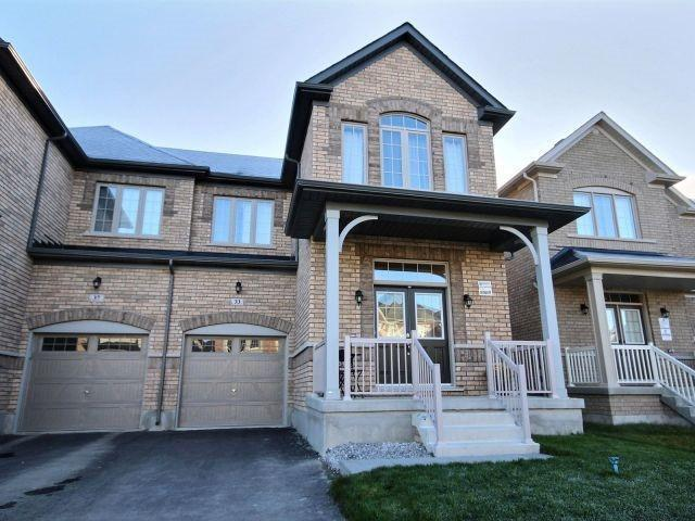 33 Constable St, Aurora, ON L4G 1B7 (#N4133294) :: Beg Brothers Real Estate