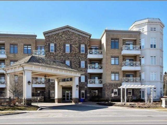 80 Burns Blvd #403, King, ON L7B 0B3 (#N4133378) :: Beg Brothers Real Estate