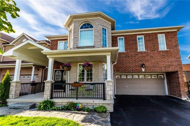 386 Dowson Loop, Newmarket, ON L3X 3G4 (#N4133951) :: Beg Brothers Real Estate