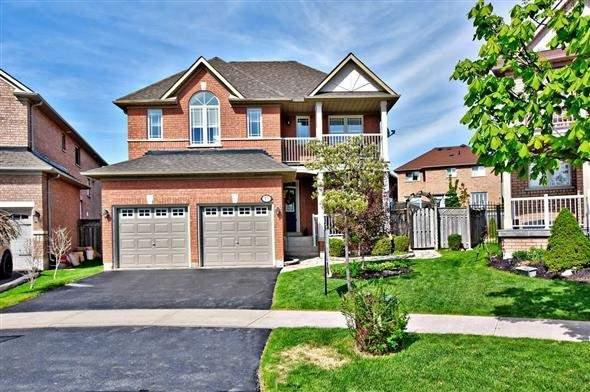 15 Lacona Cres, Richmond Hill, ON L4E 4G6 (#N4134213) :: Beg Brothers Real Estate