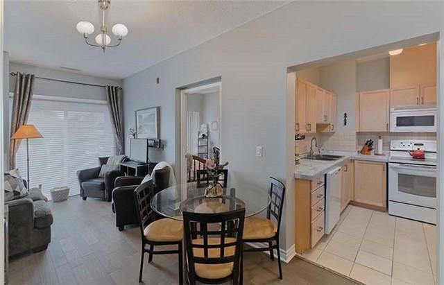 15450 Yonge St #103, Aurora, ON L4G 0K1 (#N4135038) :: Beg Brothers Real Estate