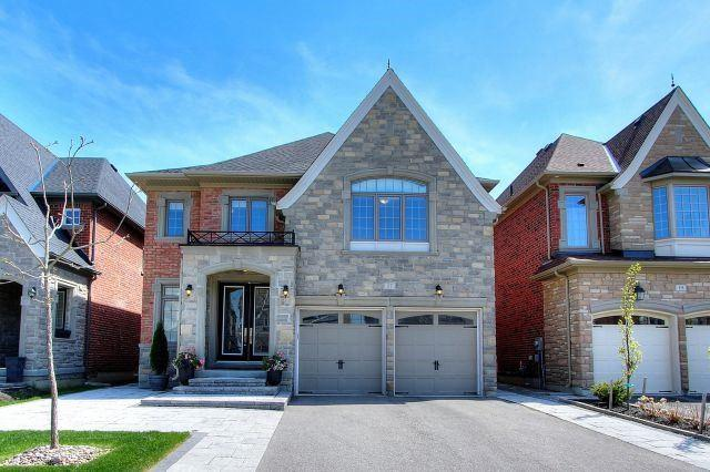 17 Lilly Valley Cres, King, ON L7B 0B5 (#N4135515) :: Beg Brothers Real Estate