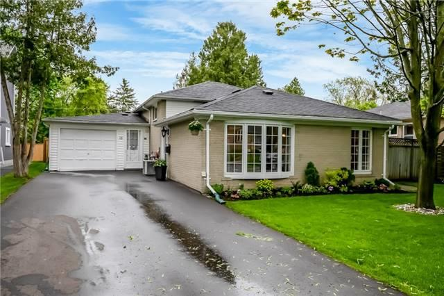 18 Algonquin Cres, Aurora, ON L4G 3E5 (#N4136276) :: Beg Brothers Real Estate