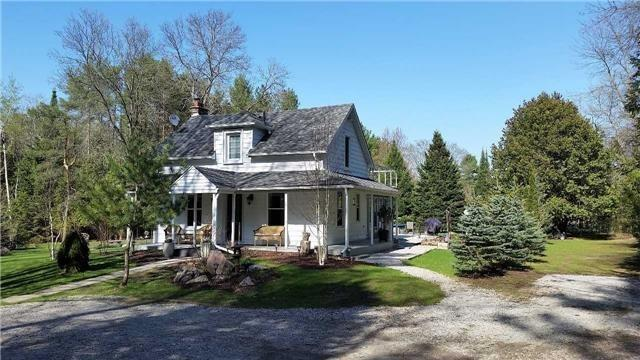 813 Pine Ave, Innisfil, ON L0L 1W0 (#N4140770) :: Beg Brothers Real Estate