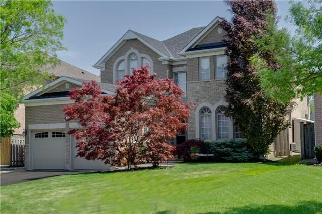 9 Oban Ave, Vaughan, ON L6A 2E2 (#N4140939) :: Beg Brothers Real Estate
