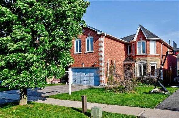 5 El Dorado St, Richmond Hill, ON L4C 0G9 (#N4141285) :: Beg Brothers Real Estate