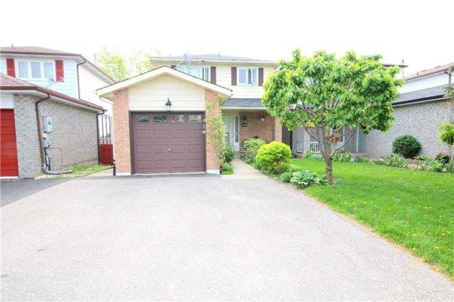 328 Britannia Ave, Bradford West Gwillimbury, ON L3Z 1A7 (#N4141401) :: Beg Brothers Real Estate