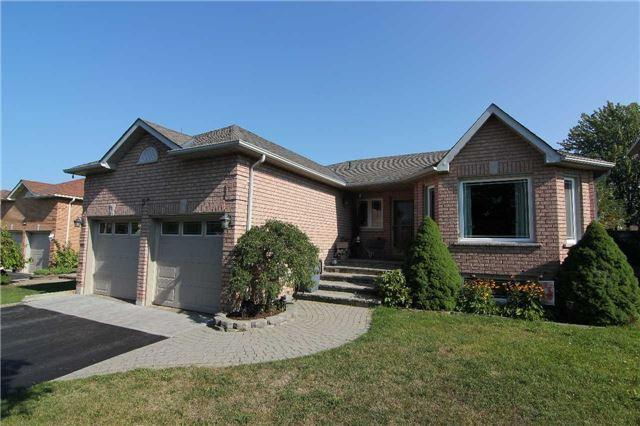 57 Brown St, Barrie, ON L4N 7V5 (#S3936862) :: Beg Brothers Real Estate