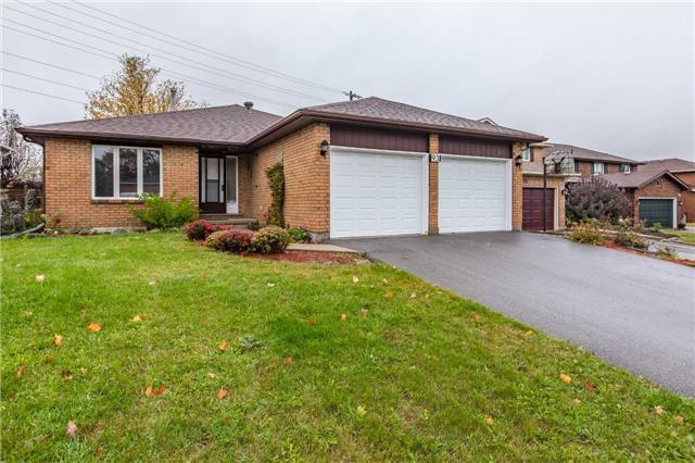 93 Chieftain Cres, Barrie, ON L4N 6J2 (#S4117645) :: Beg Brothers Real Estate