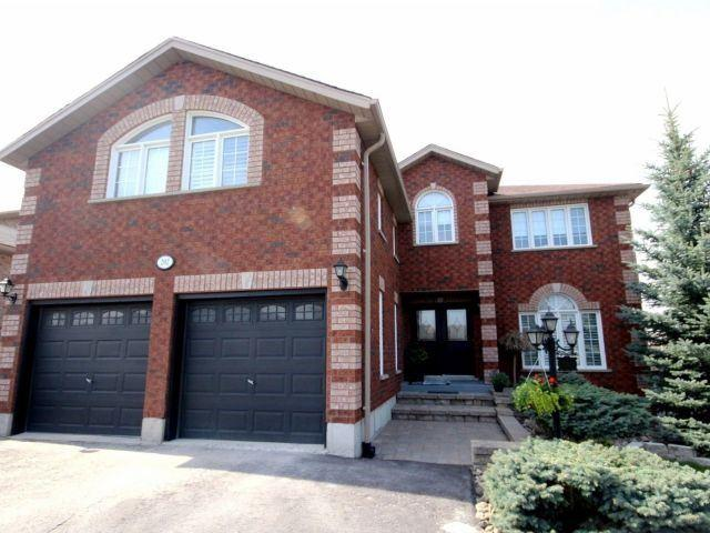 202 Livingstone St, Barrie, ON L4M 6M4 (#S4129421) :: Beg Brothers Real Estate