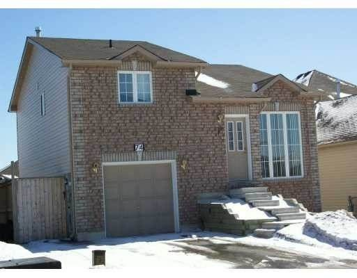 74 Ambler Bay St, Barrie, ON L4M 7A6 (#S5120386) :: The Johnson Team