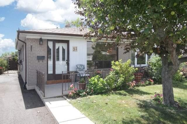 31 Topeka Rd, Toronto, ON M9L 1A3 (#W3936825) :: Beg Brothers Real Estate