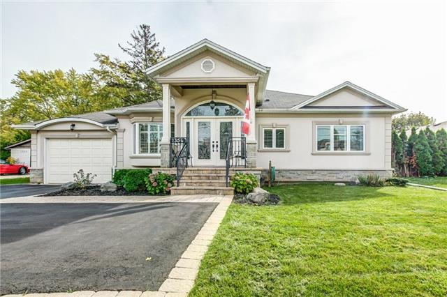 1356 Rebecca St, Oakville, ON L6L 1Z4 (#W3963890) :: Mark Loeffler Team