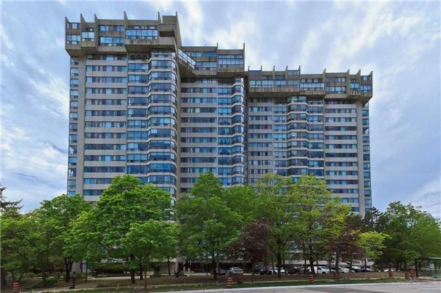 200 Robert Speck Pkwy #801, Mississauga, ON L4Z 1S3 (#W4025219) :: Beg Brothers Real Estate