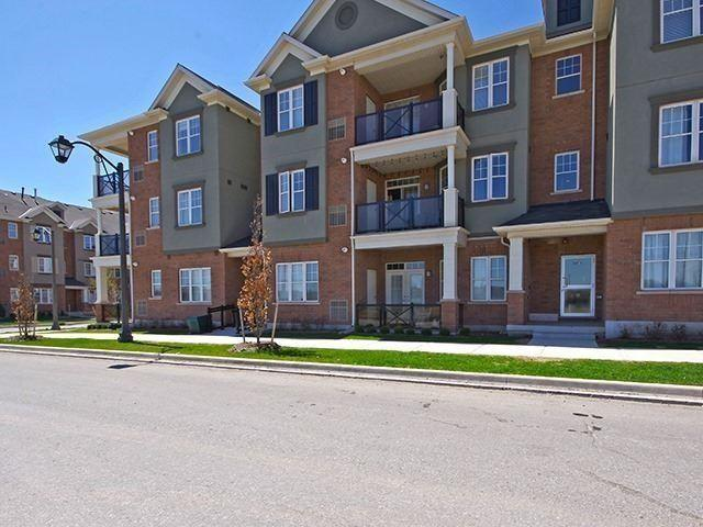 2326 Taunton Rd #203, Oakville, ON L6H 0L3 (#W4026147) :: Apex Realty Network