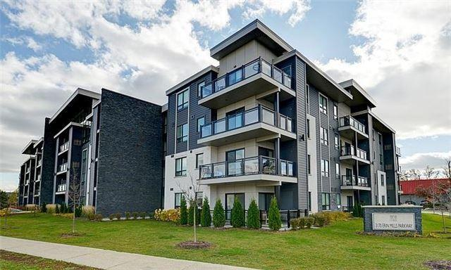 3170 Erin Mills Pkwy #202, Mississauga, ON L5L 1W8 (#W4047502) :: Beg Brothers Real Estate