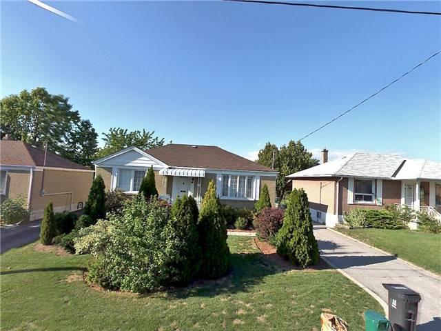 46 William Cragg Dr, Toronto, ON M3M 1V1 (#W4047521) :: Beg Brothers Real Estate