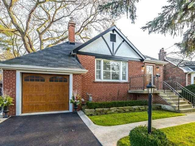28 Inglewood Dr, Mississauga, ON L5G 1X6 (#W4047564) :: Beg Brothers Real Estate