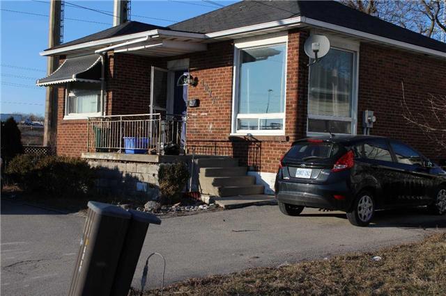 1077 Brant St, Burlington, ON L7R 2K2 (#W4070981) :: Beg Brothers Real Estate