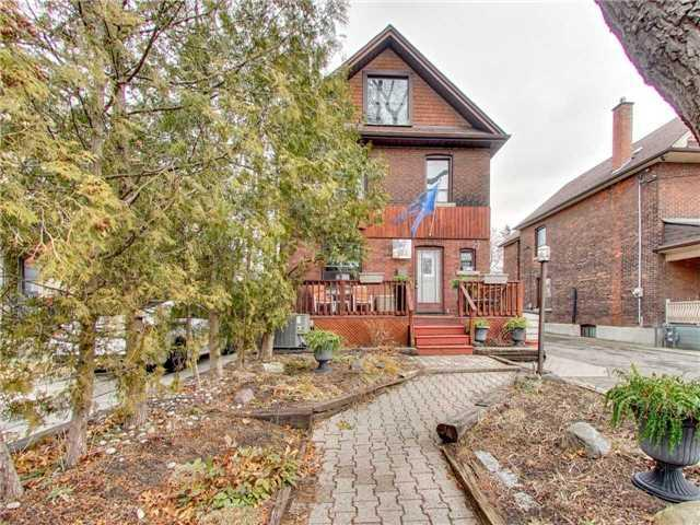 583 Durie St, Toronto, ON M6S 3H2 (#W4107439) :: Beg Brothers Real Estate