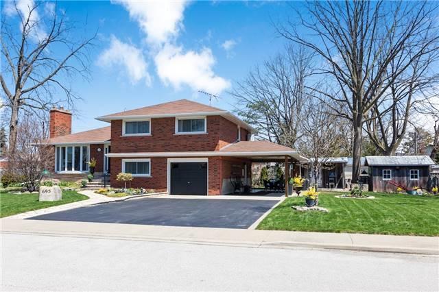 695 Powell Crt, Burlington, ON L7R 3E7 (#W4115288) :: Beg Brothers Real Estate
