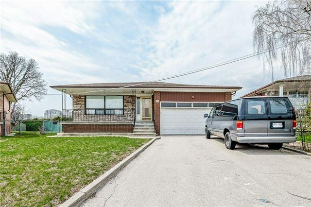 18 Cloud Dr, Toronto, ON M9L 2P7 (#W4117616) :: Beg Brothers Real Estate