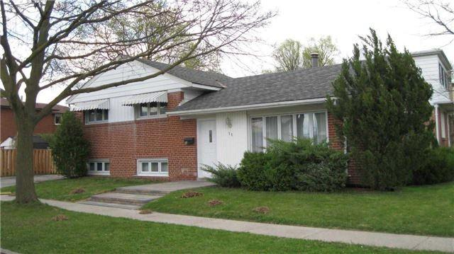 11 Genthorn Ave, Toronto, ON M9W 2S8 (#W4118769) :: Beg Brothers Real Estate