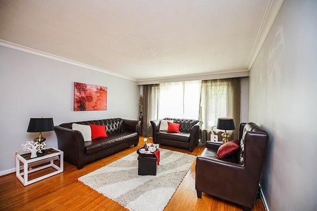 39 Dixington Cres, Toronto, ON M9P 2K3 (#W4126319) :: Beg Brothers Real Estate