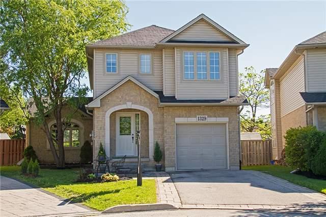 1329 Bonnie Crt, Burlington, ON L7R 5A2 (#W4127371) :: Beg Brothers Real Estate